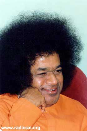 part - SwaMI & Me - Lets Speak with Him ... Part A Swami-smiling