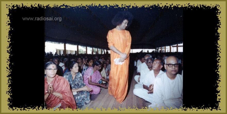 sathya sai baba giving darshan shivaratri dai janet bock article radiosai